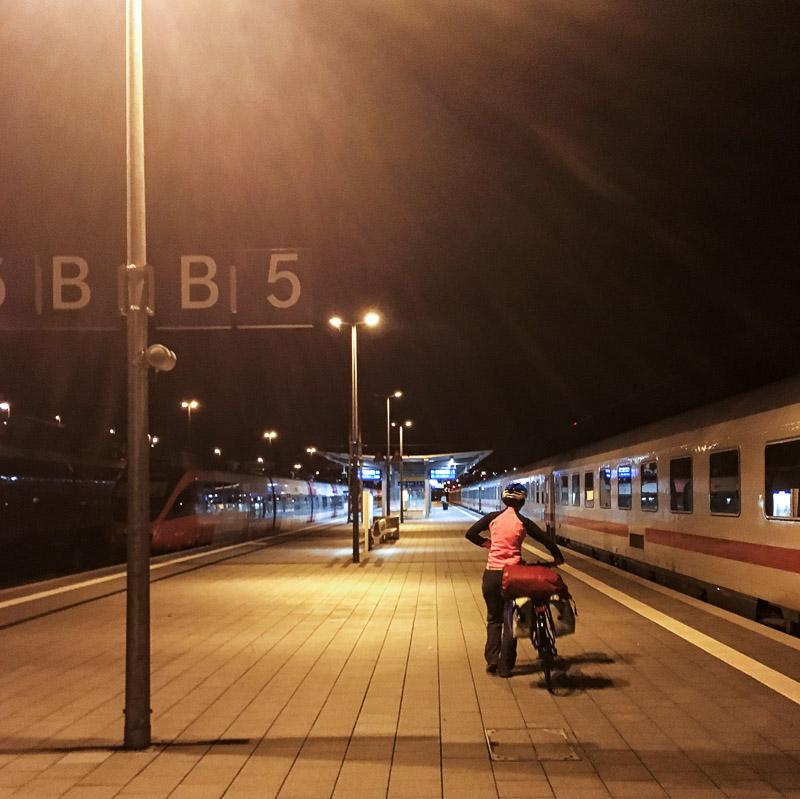 Bavière 2017 - Arrivée tardive en gare de Passau ; l'aventure commence dans le noir !